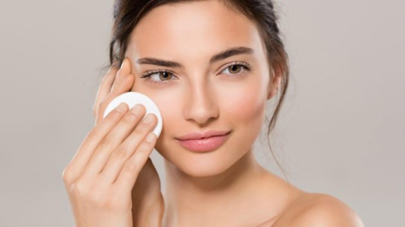 8 secrets beauté que les dermatologues ne vous diront pas